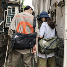 Ins locomotive bags Japanese Korean version Street students'one-shoulder bags, class bags, Chao Brand Baitachic oblique bags