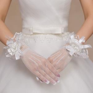 新款韩式新娘结婚手套红色白色黑色蕾丝网格<span class=H>婚纱</span><span class=H>立体花</span>演出<span class=H>婚纱</span>照