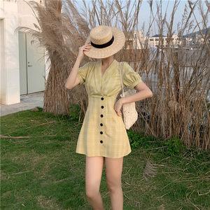 韩版复古chic高腰V领格子<span class=H>短裙</span>气质修身短袖连衣裙2019新款夏女潮