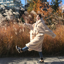 Xin Bang Bang Homemade winter Korean version of the ifashion long lamb lamb hooded horn buckle coat cotton clothing women