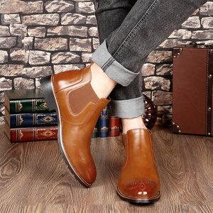 切尔西<span class=H>短靴</span>男布洛克款式雕花男靴子保暖休闲高帮靴男尖头马丁靴男
