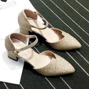 包头凉<span class=H>鞋</span>女夏中跟粗跟浅口中空一字扣黑银色2019新款百搭高跟<span class=H>鞋</span>子