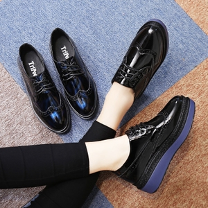 春季<span class=H>布洛克</span><span class=H>女鞋</span>厚底鞋学生英伦鞋女漆皮小皮鞋单鞋黑色<span class=H>鞋子</span>松糕鞋
